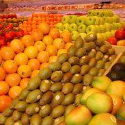Frutas a la venta. Imagen: Magrama.