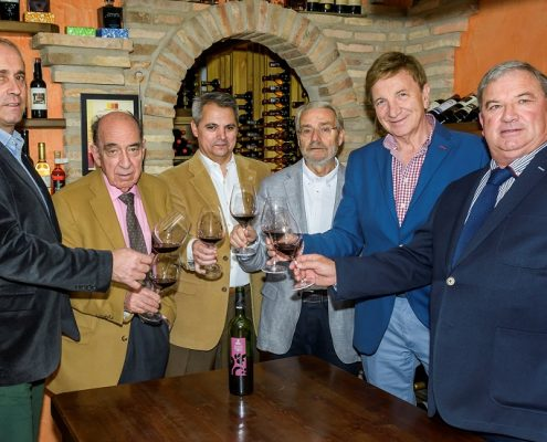 Santiago Coello, Ángel de Jaime, Víctor Pascual, Luis Alberto Lecea y José María Daroca, presidentes del Consejo Regulador Rioja entre 1985 y 2015. Foto: Ediciones La Prensa del Rioja.