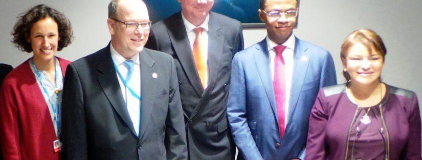 La directora general de la Oficina Española de Cambio Climático, Valvanera Ulargui, ha firmado este acuerdo con el que el Ministerio se compromete a apoyar la propuesta de un Informe Especial sobre el nexo océano y clima por el Grupo Intergubernamental de Expertos sobre el Cambio Climático (IPCC). Foto: Magrama.