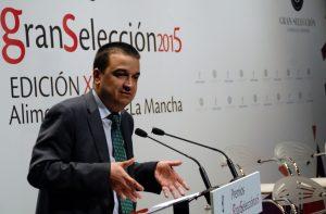 Francisco Martínez Arroyo, consejero de Agricultura de Castilla-La Mancha, durante un acto de los premios Gran Selección. Imagen: Consejería de Agricultura de Castilla-La Mancha.