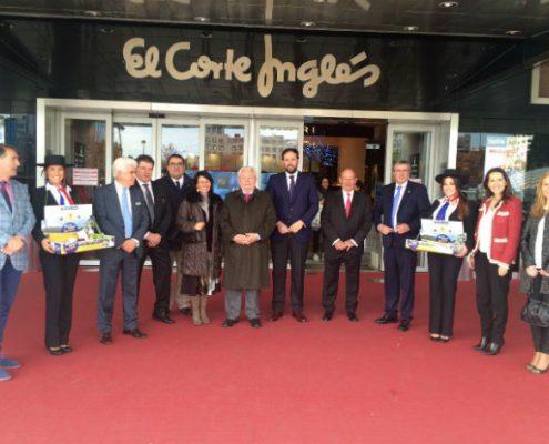 El Embajador de Chile en España, Francisco Marambio Vial, participó en la inauguración de la nueva campaña de promoción en El Corte Inglés, que tiene como protagonistas a las cerezas, arándanos, duraznos y nectarinas de Chile. Imagen: Embajada de Chile.
