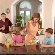 Family_drinking_juice57