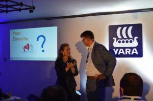 Mónica Andrés, directora general de Yara Iberian, y Terje Knutsen, director global del segmento de agricultura de Yara.