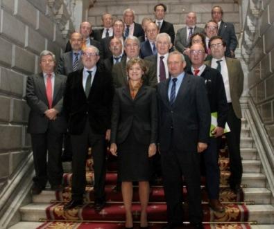 Miembros del Consejo Rector de Cooperativas Agroalimentarias de España con García Tejerina.