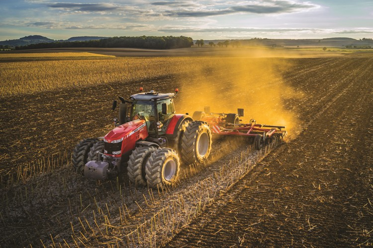 Massey Ferguson unveils its complete line of agricultural equipment ...